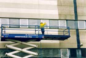 Fasadtvätt i Stockholm på större industrifastighet